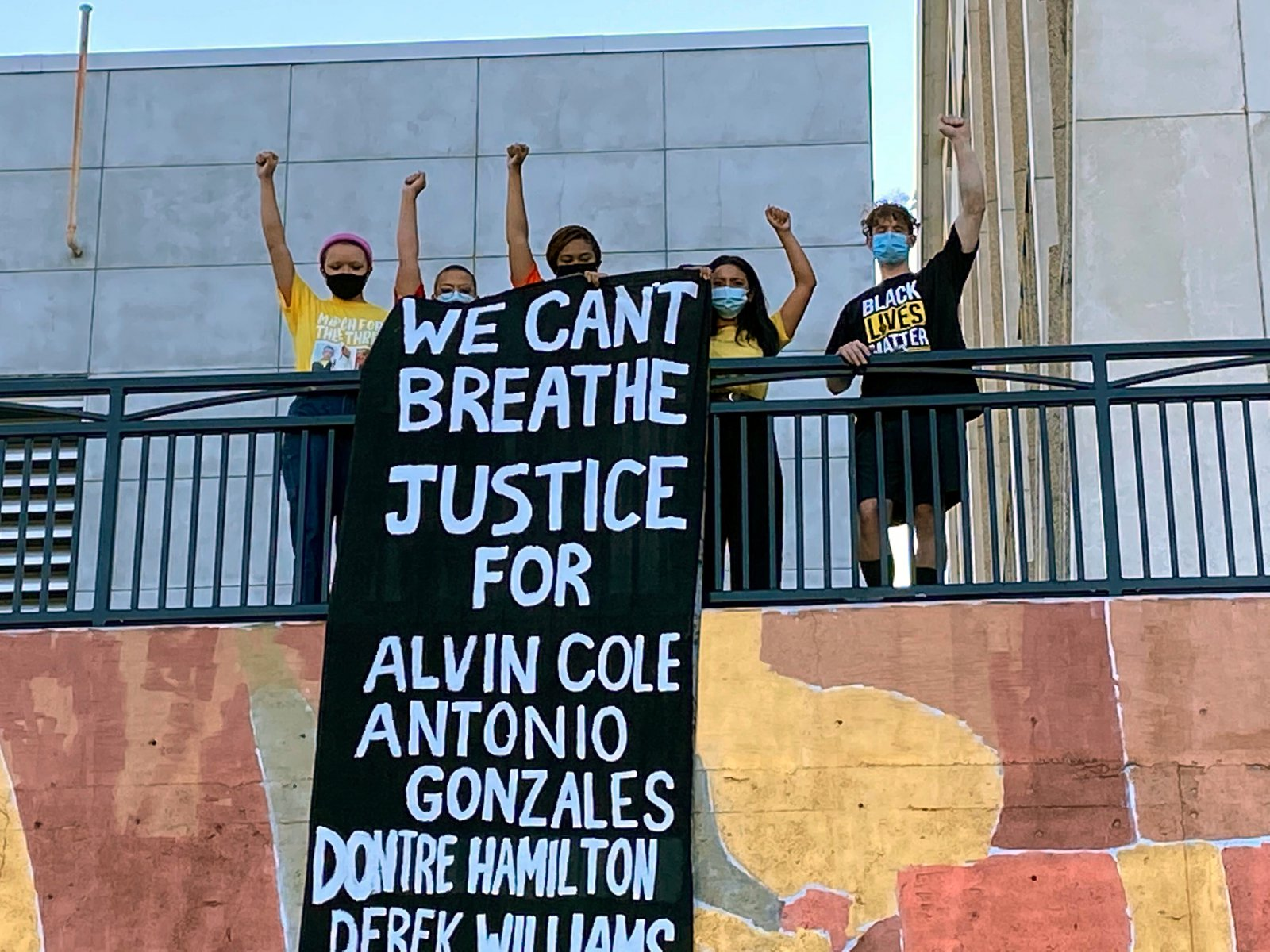 \'We Can't Breathe\' banner