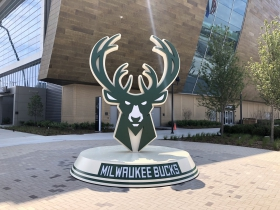 Bucks Logo Sign