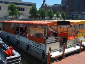 Riverwalk Boat Tours & Rental