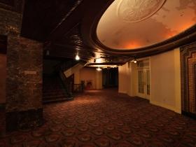 Grand Warner lobby.