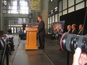 Peter Feigin at the podium.