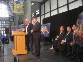 Michael Fascitelli and Peter Feigin at the podium.