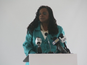 Gwen Moore at Milwaukee County Mental Health Emergency Center Ceremony