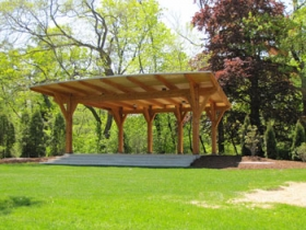 New Lake Park Summer Stage