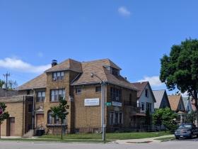 La Hayes Spanish, 1403 W. Hayes Ave.