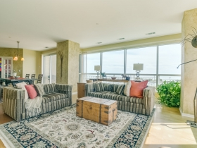 Listing of the Week: 1522 on the Lake