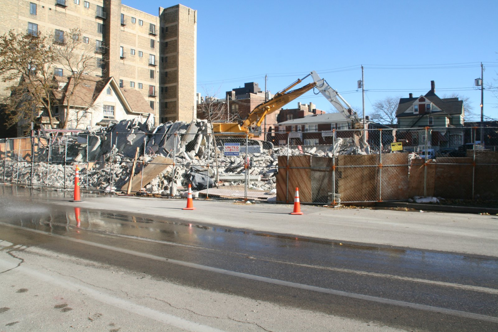 1840 N. Farwell Ave. Collapse
