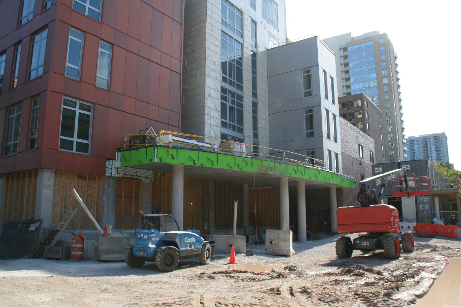Saint John\'s on the Lake North Tower Construction