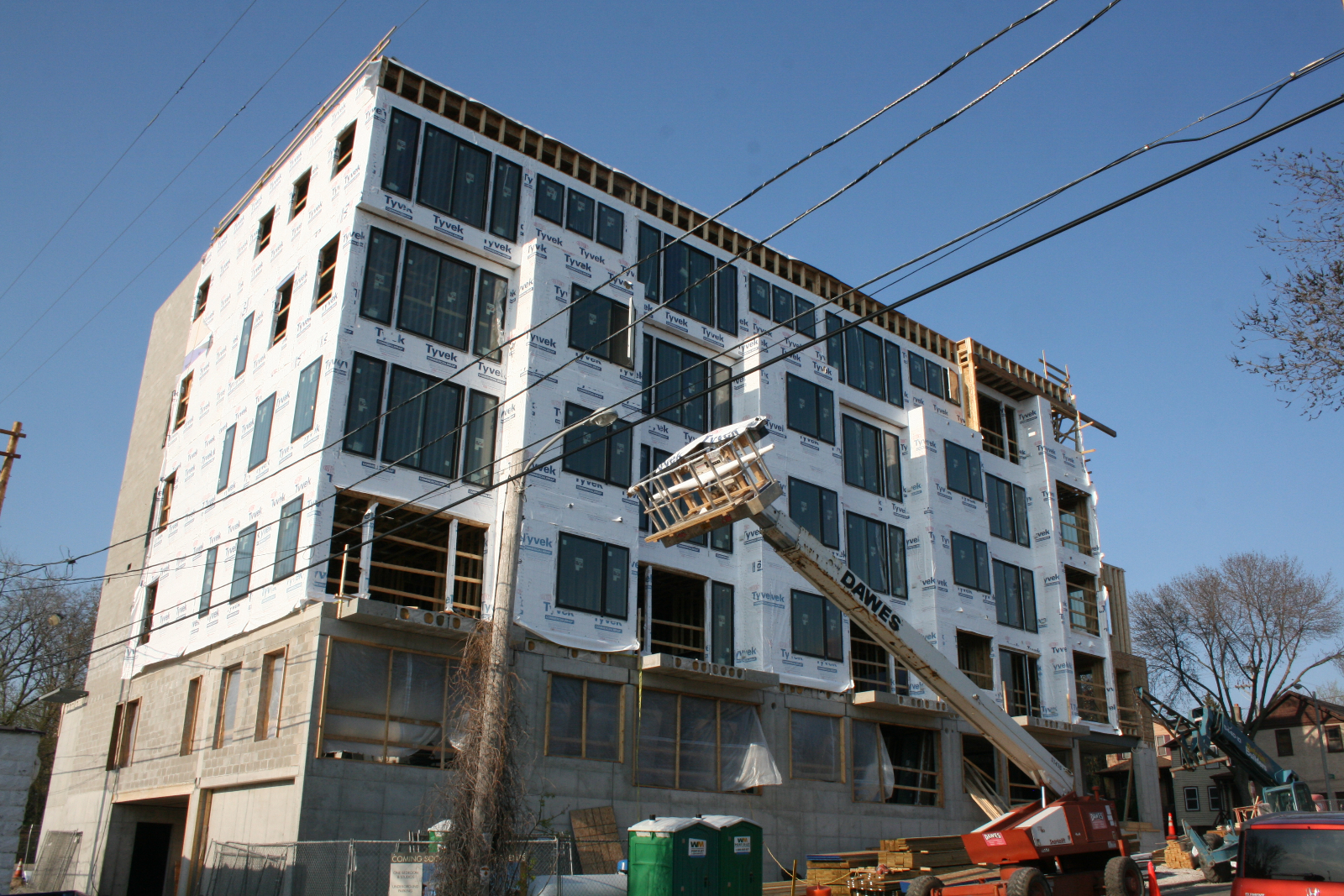 Avante Apartments under construction on Milwaukee\'s Lower East Side.