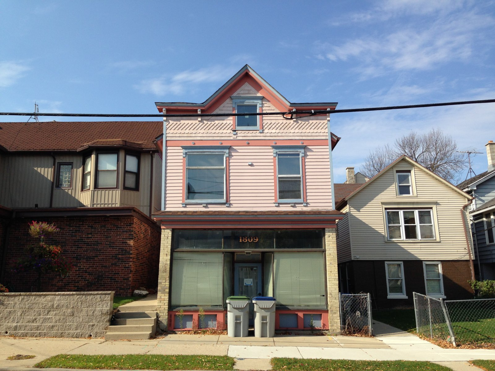 1809 N. Humboldt Ave.