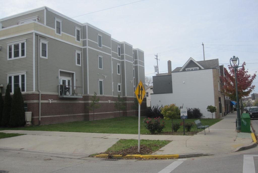 1967-1699 N. Marshall St.