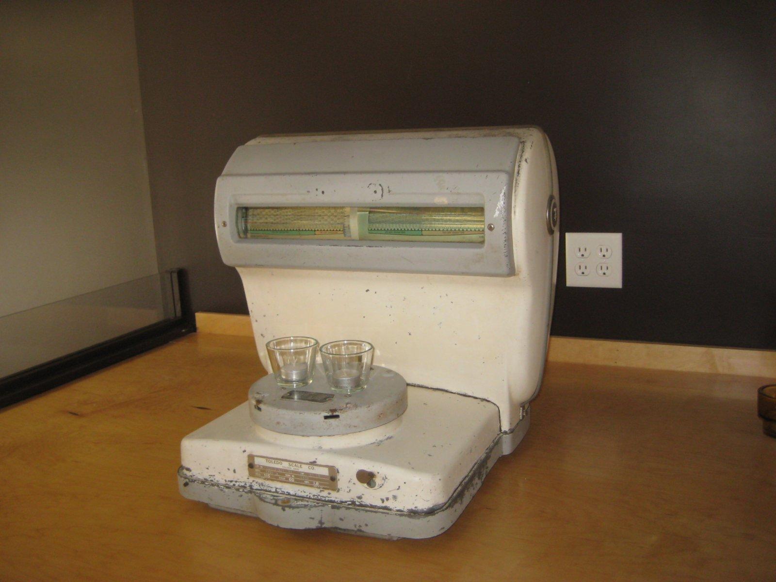Toledo Scale Co. Model 1051A.