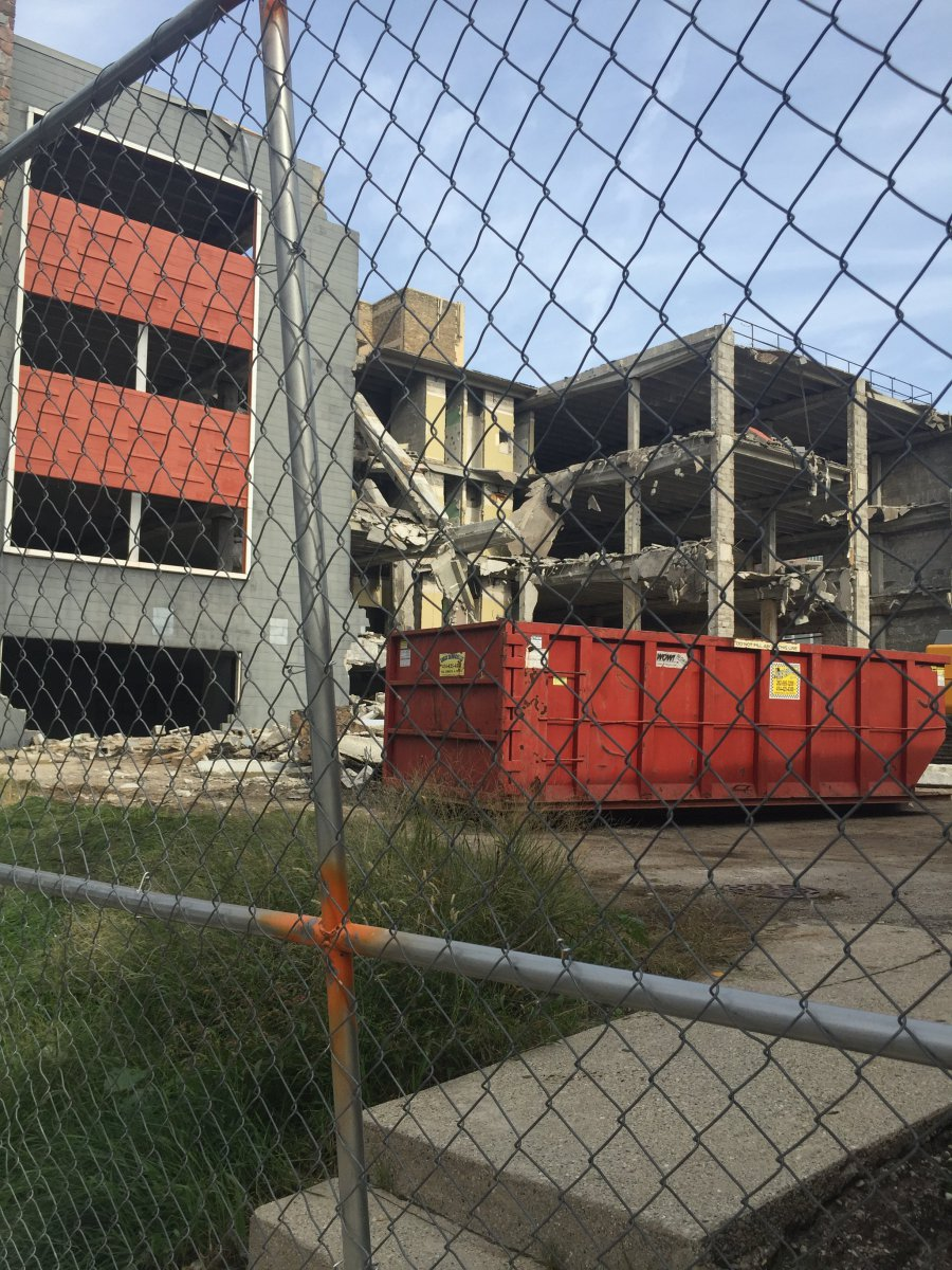 Deconstruction of 1840 N. Farwell Ave.