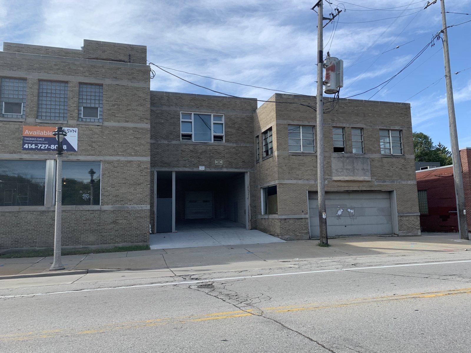 1617-1633 E. North Ave.