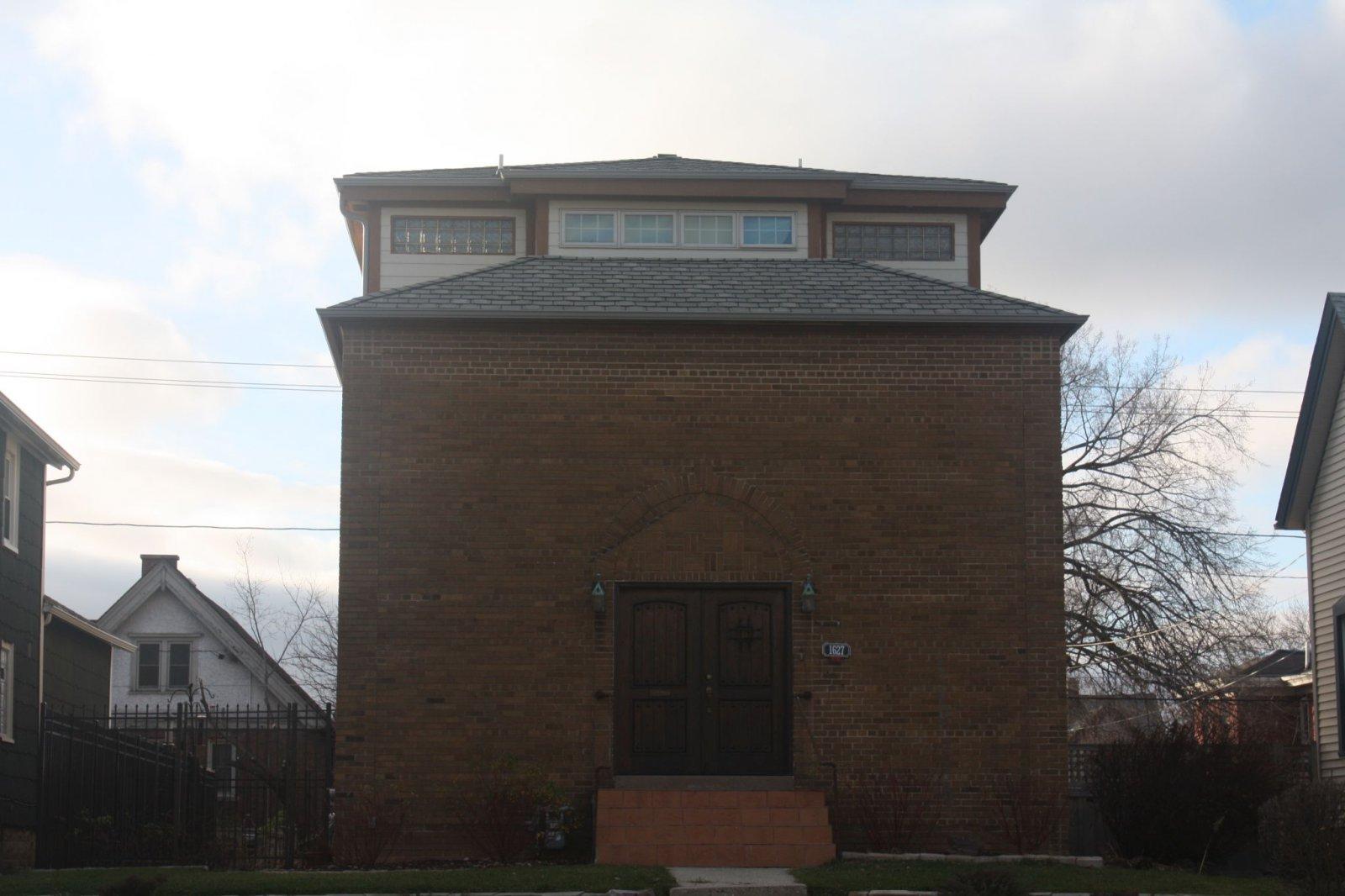 N. Van Buren building