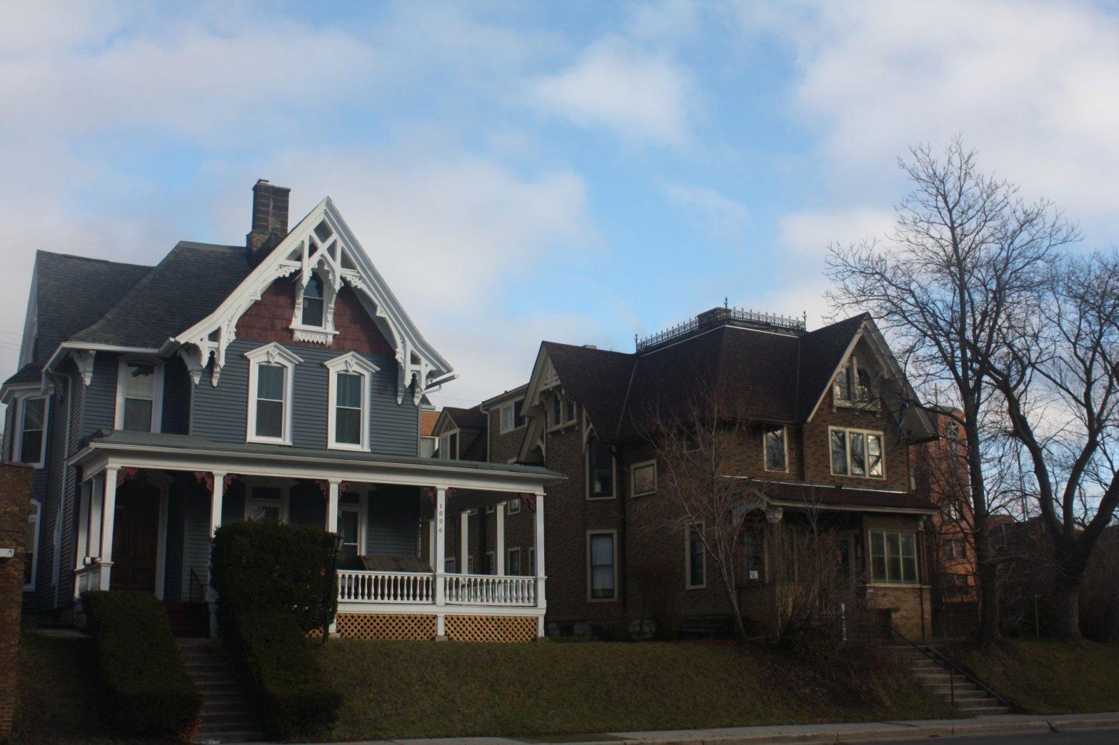 Residences on N. Van Buren