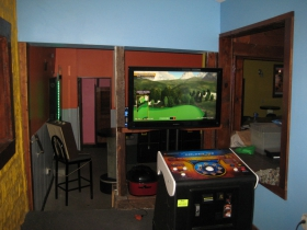 A video Country Club membership is available for all who call at The Curve Bar.