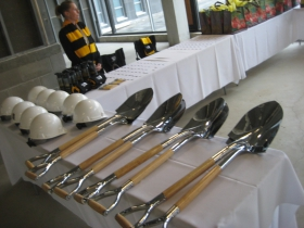 The silver shovels.