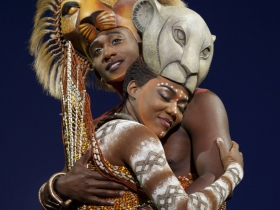 Jelani Remy as Simba and Nia Holloway as Nala in THE LION KING National Tour.