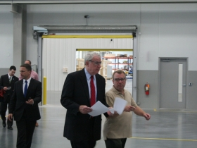 Mayor Tom Barrett touring Ingeteam factory