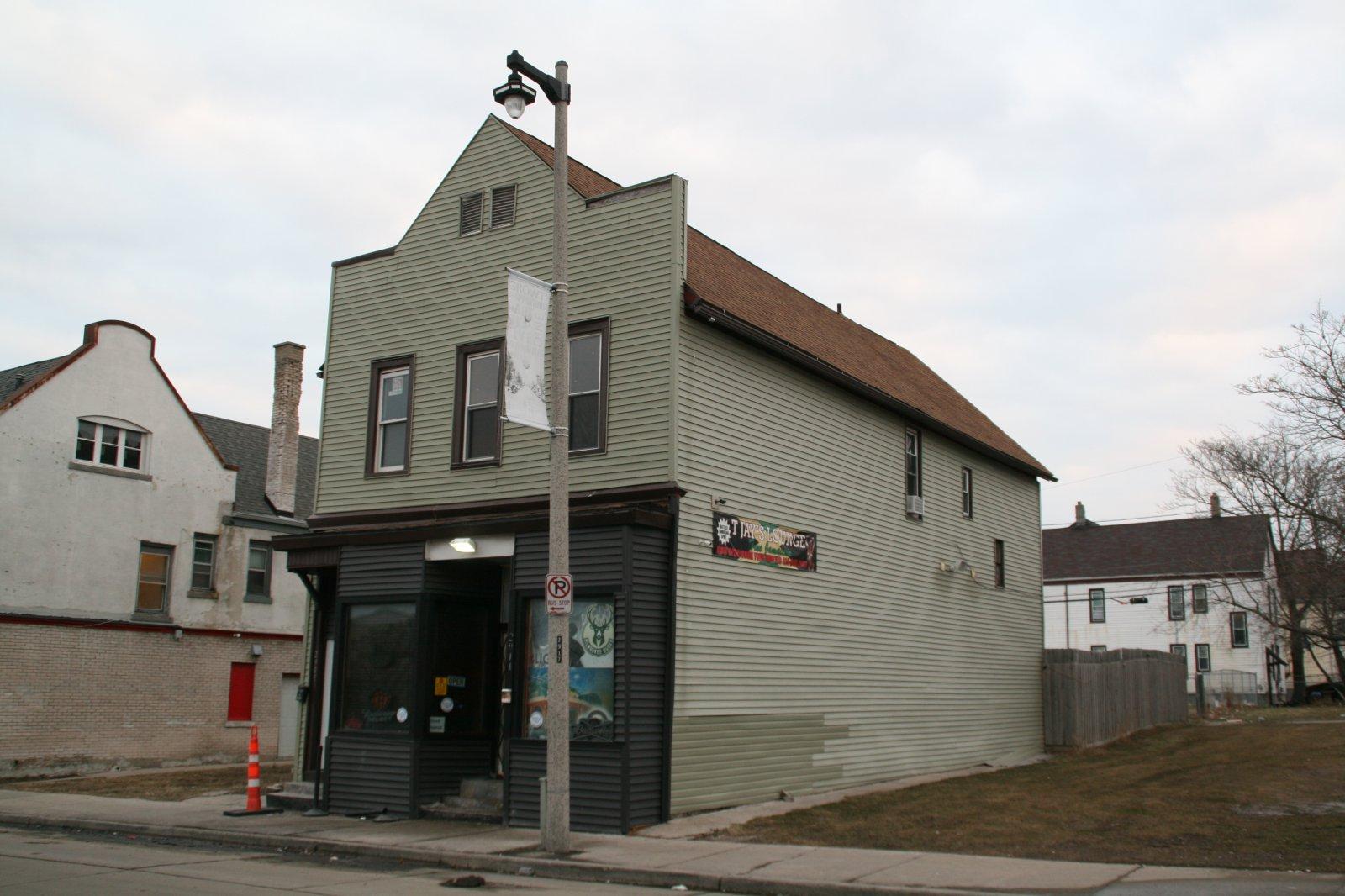 2909-2911 W. North Ave.