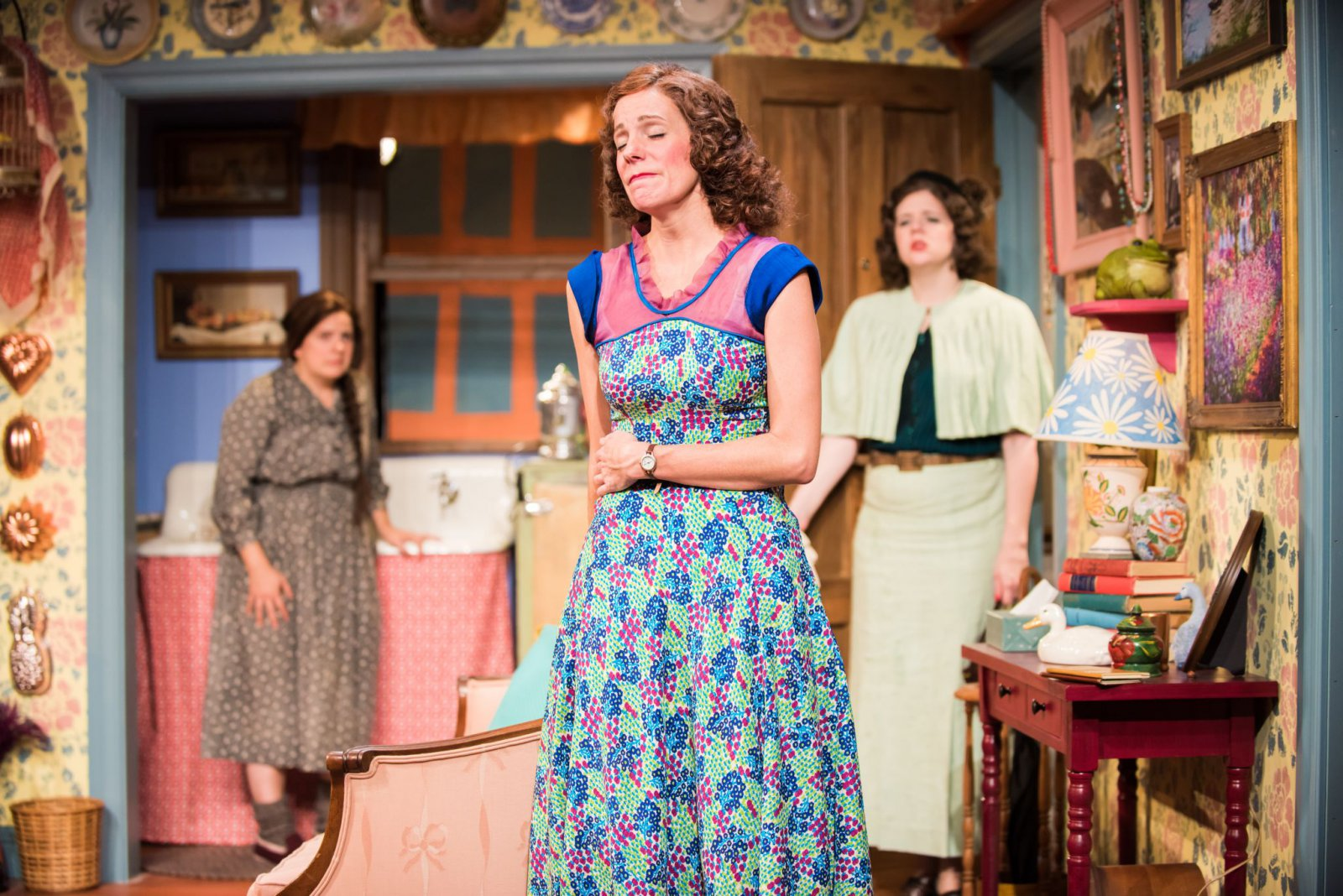 L-R: Karen Estrada as Sophie Gluck, Kay Allmand as Dorothea, Molly Rhode as Helena