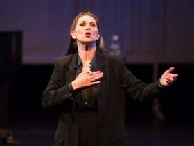 Angela Iannone as Maria Callas.