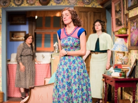 L-R: Karen Estrada as Sophie Gluck, Kay Allmand as Dorothea, Molly Rhode as Helena