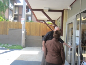 Mayor Barrett Opens Temporary East Library
