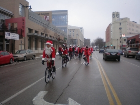 Santas on North Avenue