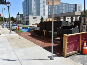 Parklet at Divino Wine and Dine