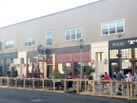 Divino Wine & Dine and Two Bucks Parklet. Photo by Mariiana Tzotcheva.