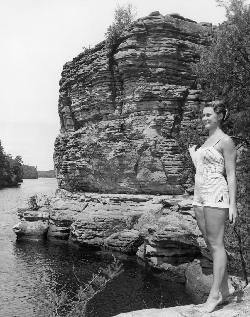 Head Waitress, 1956