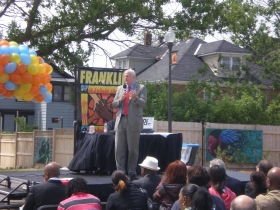 Mayor Barrett speaking at the Franklin Square Apartments celebration.