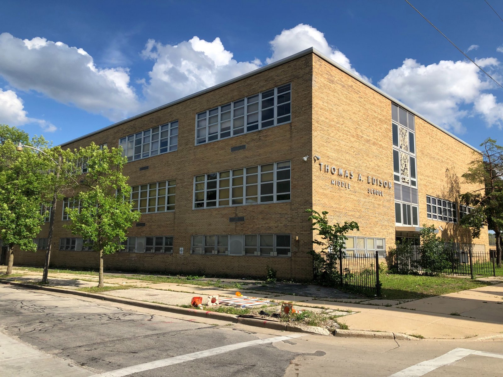 Edison Middle School (former North Milwaukee High School)