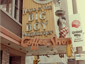Sign at Marc's Big Boy, located at 5th Street and Wisconsin Avenue, in Milwaukee in October 1976.