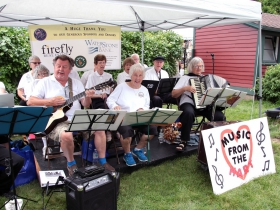 Music From The Hart, musicians and singers from Wauwatosa performed on the entertainment stage