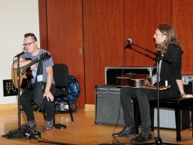 Antoine Dufour answers questions from the audience at the Fingerstyle Master Class with Antoine Dufour & Mike Dawes.