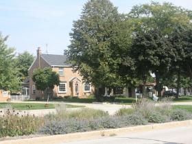 Grange Avenue with rain garden in the median