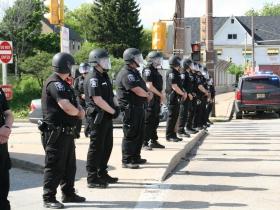 Milwaukee County Sheriff Deputies Block Freeway
