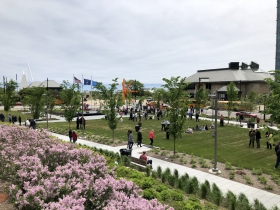 Sculpture Milwaukee Ribbon Cutting Crowd