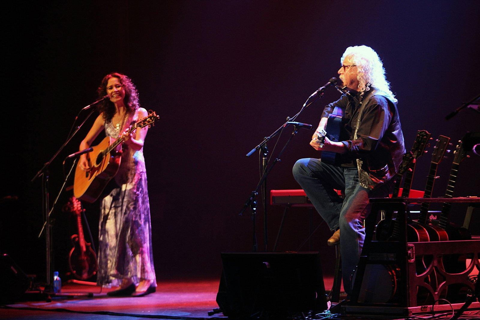 Sarah Lee Guthrie and Arlo Guthrie