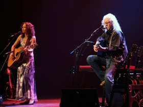 Sarah Lee Guthrie and Arlo Guthrie