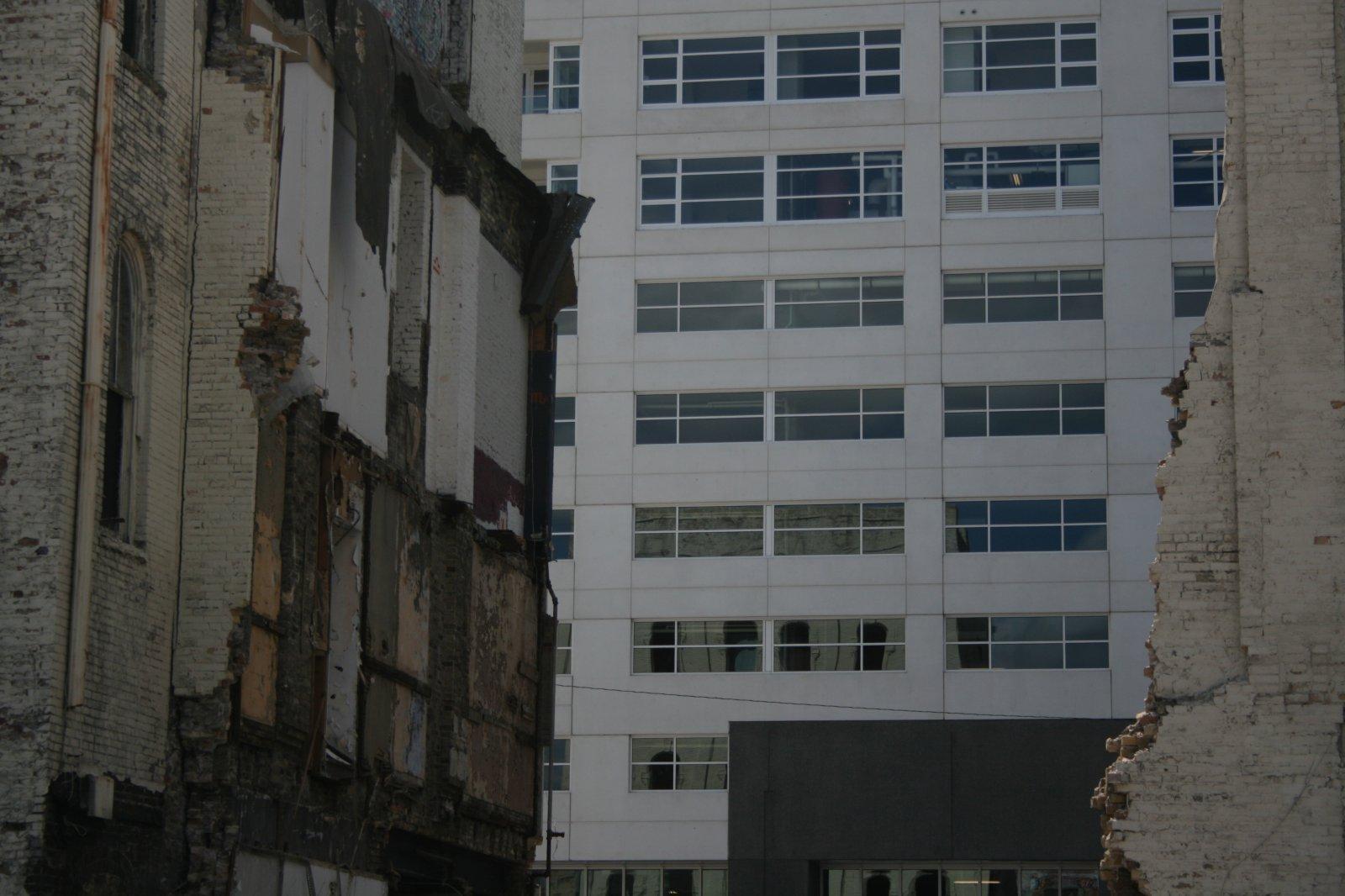 Demolition of the Sydney Hih.