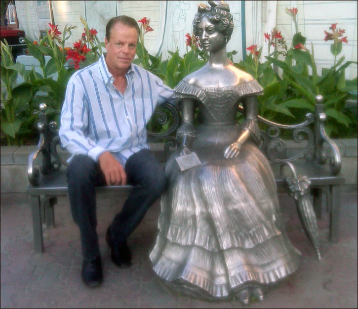 James Witwowiak, pictured in Omsk by a statue of Natalya Goncharova, wife of Russian poet Alexander Pushkin
