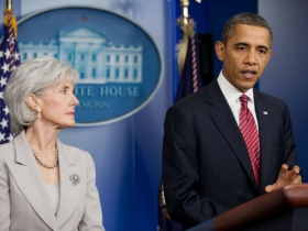 Former Health and Human Services Secretary Kathleen Sebelius and President Barack Obama.