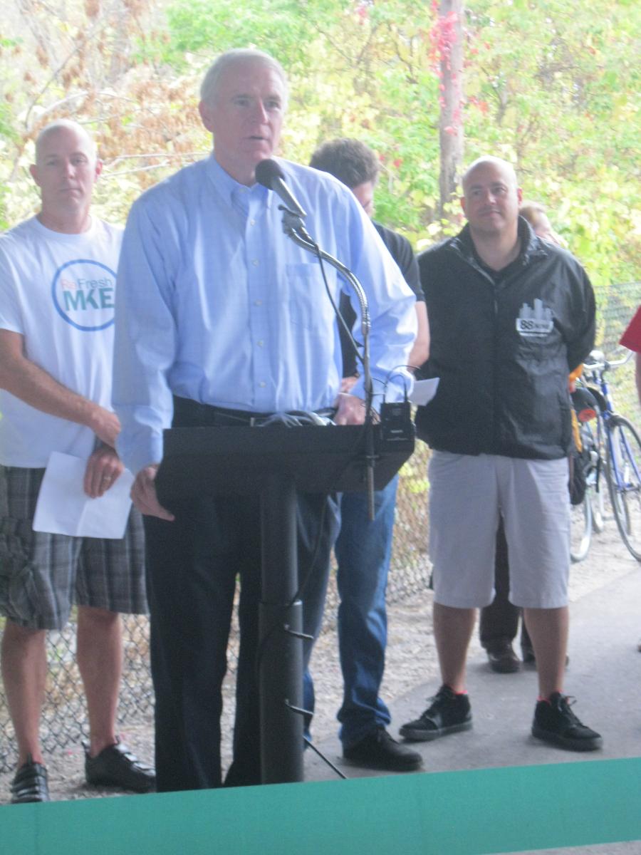 Mayor Tom Barrett speaking about the new trail.