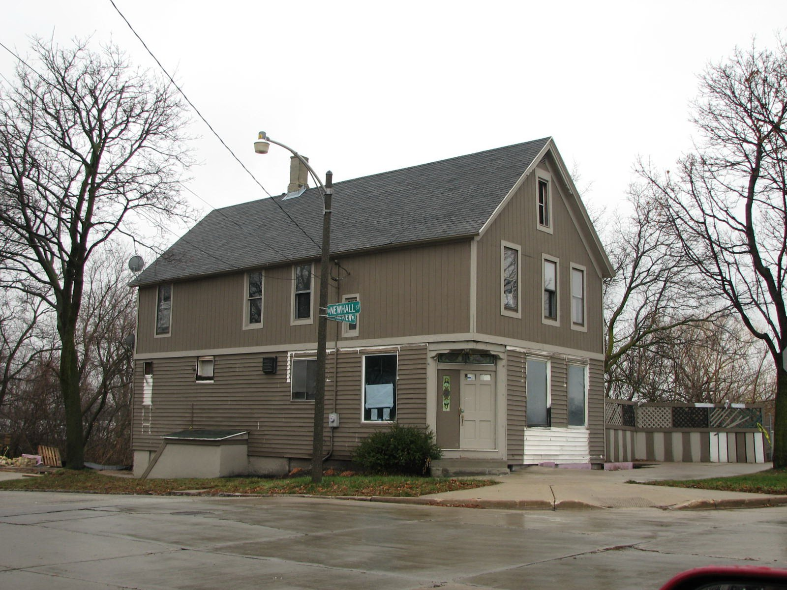 The building prior to its conversion into the BikePath Building.