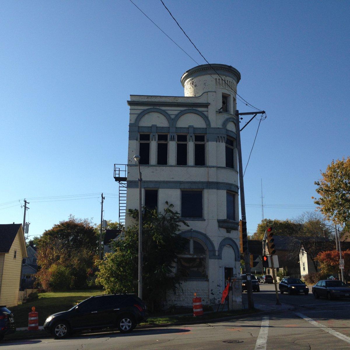 2249 N. Humboldt Ave.