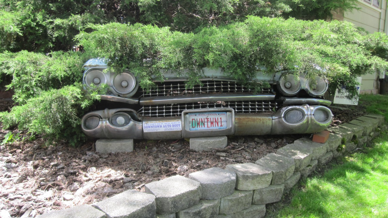House Confidential: The House of Buried Cars » Urban Milwaukee